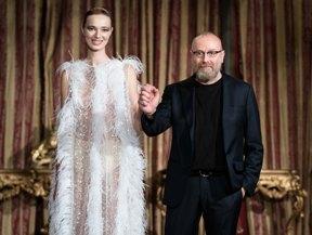 """a933d83c7185c7 AOB Magazine.it - Ad AltaRoma il trionfo della collezione Couture """"Flakes""""  di Nino Lettieri."""
